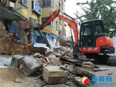 临沂九中旁小吃街被拆除,系存在20多年的违建