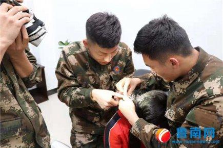 9岁女孩头发被圆筒梳搅住,幸得消防施救