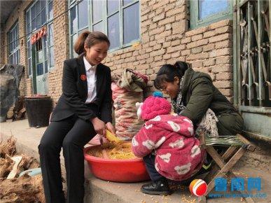 临沂市孤贫儿童志愿服务团沂南团志愿者尹永平: 让自己的孩子�