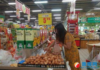 """蛋价突破6元/斤,""""火箭蛋""""加重市民菜篮子"""