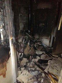 电动车放楼道深夜莫名起火 所幸未造成人员伤亡