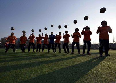 """临沂校园足球这3年――起步晚但发展快 """"踢""""出一片新天�"""