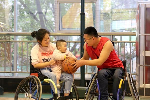 """临沂轮椅篮球""""梦之队"""""""