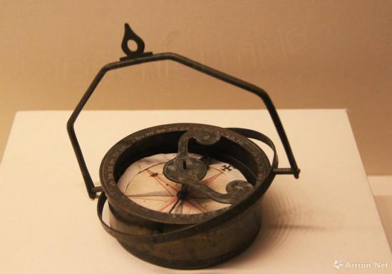 罗盘 公元17世纪  黄铜  直径12cm 意大利威尼斯科雷尔博物馆藏