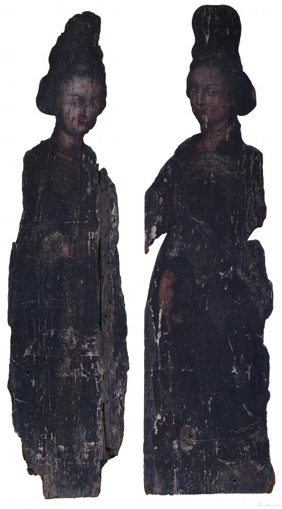 《新会木美人》 明代(1368-1644年) 明代 佚名   木板油画  160x41.5x8cm  新会博物馆藏