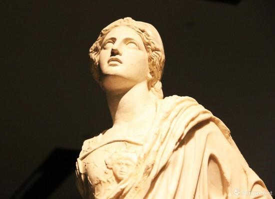 雅典娜大理石雕像局部