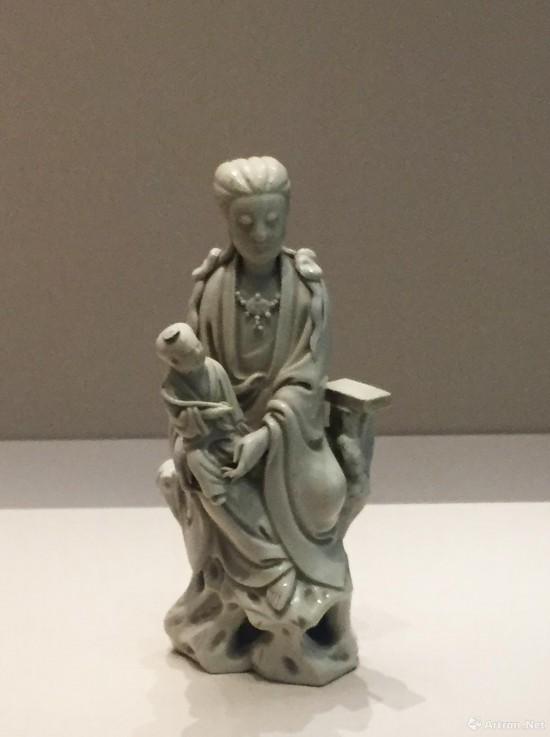 白釉送子观音像  明代  故宫博物院藏