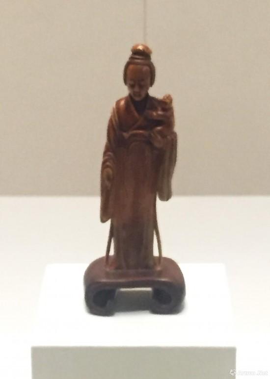 象牙雕抱子侍女像   明代  故宫博物院藏