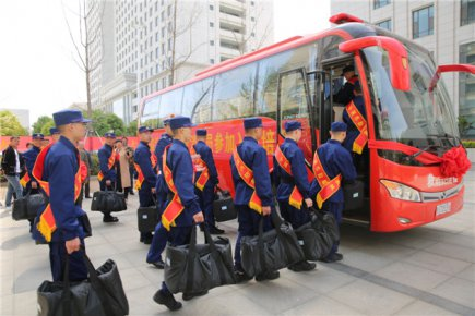 临沂首批新招录40名消防员入营 进行为期一年的集训