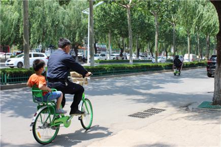 1000余辆亲子式公共自行车亮相临沂