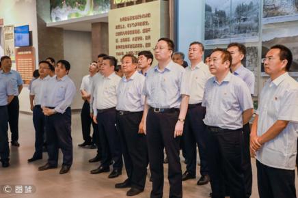 鲁南制药集团到九间棚精神纪念馆开展主题教育