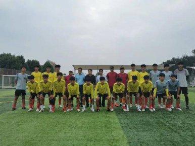 临沂二中男足获得山东省中小学生体育联赛足球比赛亚军