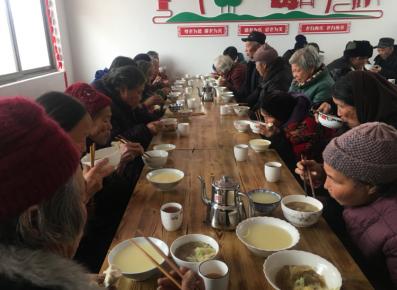 小山村建起暖心食堂 75周岁以上留守老人吃上免费午餐