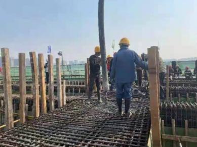 <strong>北京路沂河桥首联混凝土浇筑完成</strong>