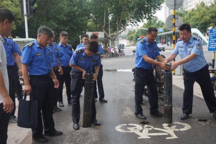 还公共空间于民 兰山城管铁腕整治非法侵占公共区域行为