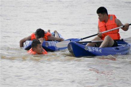 临沂公安举行防汛抢险救灾实战演练